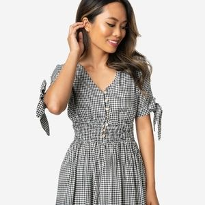 70s Style Black & White Gingham Sleeved Midi Dress